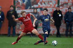 KIRKBY, ENGLAND - Saturday, January 26, 2019: Liverpool's captain Paul Glatzel and Manchester United's's Dylan Levitt during the FA Premier League match between Liverpool FC and Manchester United FC at The Academy. (Pic by David Rawcliffe/Propaganda)
