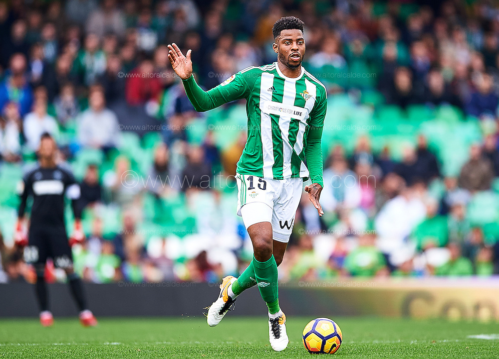 SEVILLE, SPAIN - DECEMBER 04:  Ryan Donk of Real Betis Balompie in action during La Liga match between Real Betis Balompie an RC Celta de Vigo at Benito Villamarin Stadium on December 4, 2016 in Seville, Spain.  (Photo by Aitor Alcalde Colomer/Getty Images)