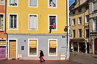 France, Saône-et-Loire (71), Chalon-sur-Saône, place du Théâtre, fresque en trompe l'oeil // France, Saône-et-Loire (71), Chalon-sur-Saône, Theatre square