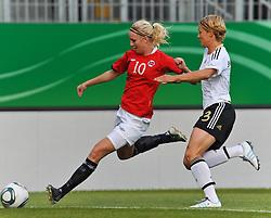 16.06.2011, Bruchwegstadion, Mainz, FIFA WOMENS WORLDCUP 2011, Deutschland (GER) vs. Norwegen (NOR), im Bild Cecilie Pedersen (Norwegen, Avaldsnes) im Zweikampf mit Saskia Bartusiak (Deutschland #3, Frankfurt) waehrend eines Vorbereitungsspiels // during a friendly match on 2011/06/16, Bruchwegstadion, Mainz, Germany.  EXPA Pictures © 2011, PhotoCredit: EXPA/ nph/  Roth       ****** out of GER / SWE / CRO  / BEL ******