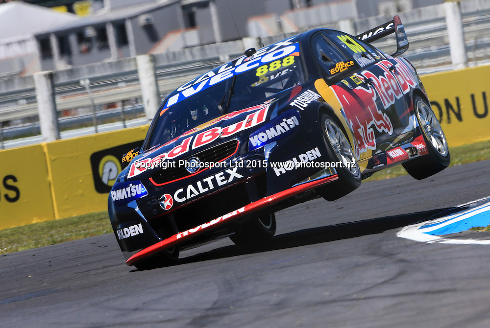 Craig Lowndes in action. V8 Supercars, Pukekohe, Auckland, New Zealand. Saturday, 07 November 2015. Copyright photo: John Cowpland / www.photosport.nz