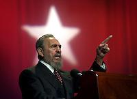 Fidel Castro, Presidente de Cuba, pronuncia un discurso en el acto de inauguracion del curso de formacion emergente de profesores de secundaria basica efectuado en el teatro Karl Marx de la Habana, 9 de Septiembre del 2002, la Habana, Cuba, (AP Photo/Cristobal Herrera)
