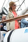 Prins Maurits, beschermheer van Sail Amsterdam, geniet met volle teugen van het maritiem spektakel. Hij voer woensdagmiddag rond 14.15 uur eigenhandig het vlaggenschip, De Clipper Stad Amsterdam van de Sail-In Parade het IJ op. <br /> <br /> Prince Maurice, patron of Sail Amsterdam, thoroughly enjoying the maritime spectacle. He sailed around 14:15 pm Wednesday handedly flagship, The Clipper Stad Amsterdam's Sail-In Parade on the IJ.<br /> <br /> Op de foto / On the photo:   Prinses Maril&egrave;ne /  Princess Maril&egrave;ne