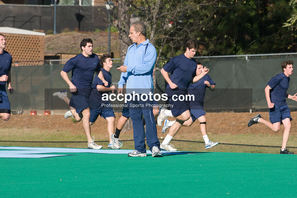 02 November 2007: North Carolina Tar Heels men's lacrosse in a conditioning session in Chapel Hill, NC.