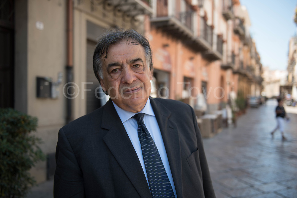 The only elected mayor of the provincial capital elected in the first round of 2017 administrative elections, Leoluca Orlando represents the change in Palermo, its at his fifth non consecutive term, during its first encountering the enormous problems of predecessors who governed only fpr the mafious.