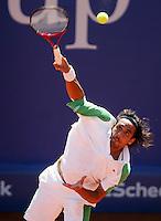 Internationales ATP Turnier am Stuttgarter Weissenhof Herren Einzel  Mariano ZABALETA (ARG) beim Aufschlag.