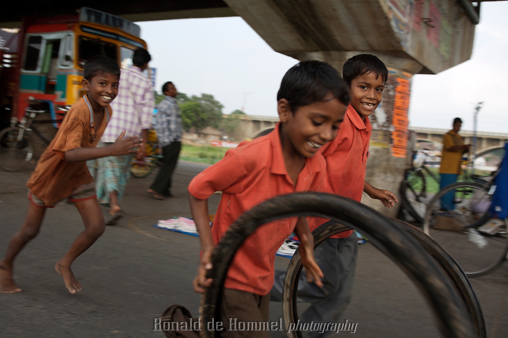 Image result for kids playing in the street tamilnadu