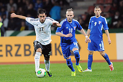 15.10.2013, Auestadion, Kassel, GER, UEFA U21 EM Qualifikation, Deutschland vs Faroer Inseln, Gruppe 6, 8. Runde, im Bild Kampf um den Ball zwischen Yunus Mali (Deutschl, U21, 1 FSV Mainz 05) (L), Gunnar Zachariassen (Faroer Isl, s U21), Ari O Ellingsgaard (Faroer Isl, s U21) (R) // during the UEFA U21 European Championship group six 8th round qualifier between Germany and Faroe Islands at the Auestadion in Kassel, Germany on 2013/10/15. EXPA Pictures © 2013, PhotoCredit: EXPA/ Eibner-Pressefoto/ Sippel<br /> <br /> *****ATTENTION - OUT of GER*****