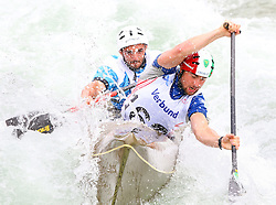 27.06.2015, Verbund Wasserarena, Wien, AUT, ICF, Kanu Wildwasser Weltmeisterschaft 2015, C2 men, im Bild v.l. Mattia Quintarelli, Giorgio Dell Agostino (ITA) // during the final run in the men's C2 class of the ICF Wildwater Canoeing Sprint World Championships at the Verbund Wasserarena in Wien, Austria on 2015/06/27. EXPA Pictures © 2014, PhotoCredit: EXPA/ Sebastian Pucher