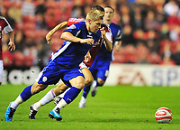 Football<br /> Coca Cola Championship Middlesbrough vs Leicester City. Martyn Waghorn (Leicester on loan from Sunderland) leaves Gary O'Neil (Middlesbrough)<br /> 29/09/2009. Credit Colorsport / Darren Blackman