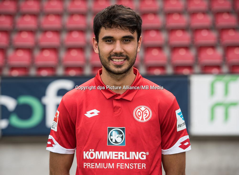 German Bundesliga - Season 2016/17 - Photocall FSV Mainz 05 on 25 July 2016 in Mainz, Germany: Gerrit Holtmann (38). Photo: Andreas Arnold/dpa   usage worldwide