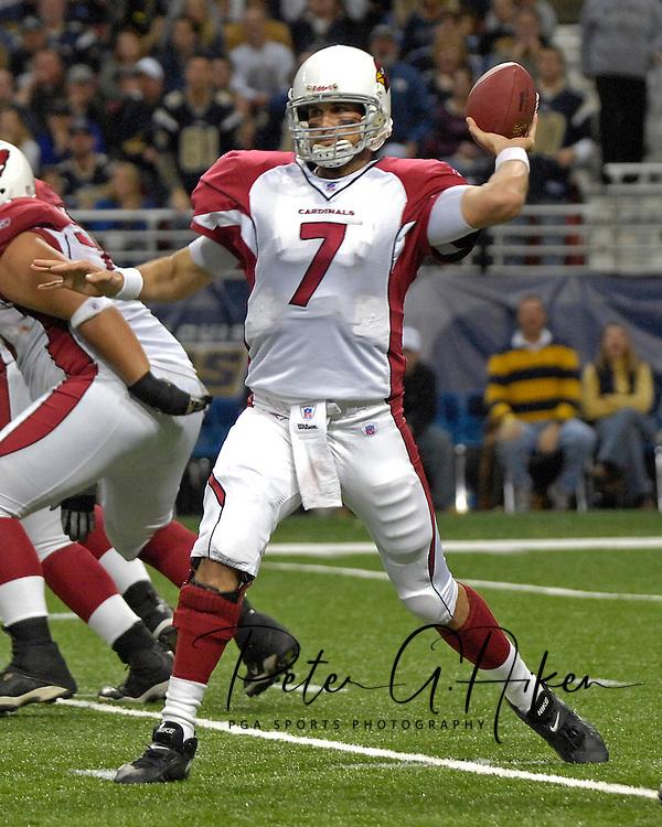 Arizona Cardinals quarterback Matt Leinart (7) gets ready to throw down field against St. Louis at the Edward Jones Dome in St. Louis, Missouri, December 3, 2006.  The Cardinals beat the Rams 34-20.<br />