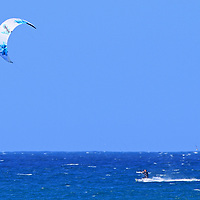 kite/wind surfers