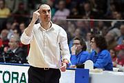 DESCRIZIONE: Varese Lega A 2015-16 <br /> Openjobmetis Varese vs Giorgio Tesi Group Pistoia<br /> GIOCATORE: Vincenzo Esposito<br /> CATEGORIA: allenatore proteste<br /> SQUADRA: Giorgio Tesi Group Pistoia<br /> EVENTO: Campionato Lega A 2015-2016<br /> GARA: Openjobmetis Varese Giorgio Tesi Group Pistoia<br /> DATA: 03.04.2016<br /> SPORT: Pallacanestro<br /> AUTORE: Agenzia Ciamillo-Castoria/A. Ossola<br /> Galleria: Lega Basket A 2015-2016<br /> Fotonotizia: Varese Lega A 2015-16 <br /> Openjobmetis Varese Giorgio Tesi Group Pistoia