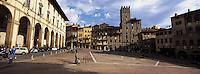 Italie - Toscane - Province d'Arrezo - Arezzo - Piazza Grande // Arezzo - Piazza Grande<br /> Tuscany - Italy