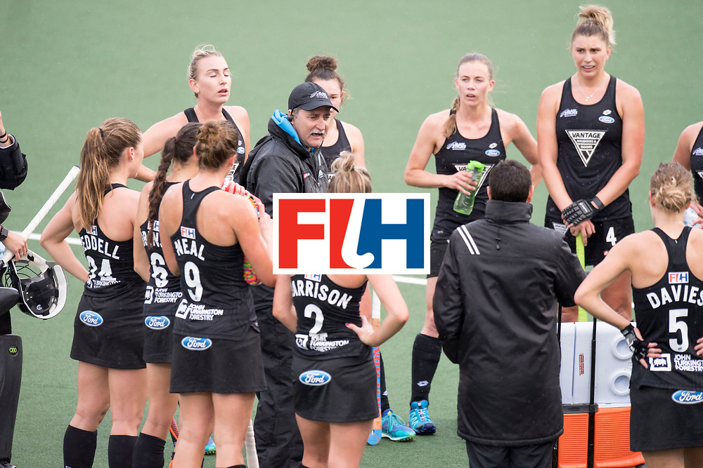 AUCKLAND - Sentinel Hockey World League final women<br /> Match id 10295<br /> 05 New Zealand  v Korea<br /> Foto: Mark HAGER Head Coach in the break.<br /> WORLDSPORTPICS COPYRIGHT FRANK UIJLENBROEK