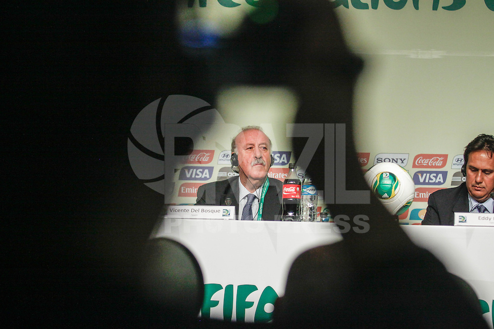 SAO PAULO, SP, 01 DEZEMBRO  2012 - SORTEIO COPA DAS CONFEDERACOES  - Vicente Del Bosque treinador da seleção espanhola coletiva de imprensa apos sorteio dos grupos da Copa das Confederacoes  2013 neste sabado no Parque Anhembi regiao norte da capital paulista. FOTo: WILLIAM VOLCOV - BRAZIL PHOTO PRESS.