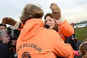 Leden van de koninklijke familie nemen deel aan de tweede editie van De Hollandse 100 op FlevOnice, een sportief evenement van fonds Lymph&Co ter ondersteuning van onderzoek naar lymfeklierkanker. <br /> <br /> Members of the royal family take part in the second edition of the Dutch 100 on FlevOnice, a sporting event Lymph & Co fund to support research into lymphoma.<br /> <br /> Op de foto / On the photo:  Prins Floris en Prinses Aimée