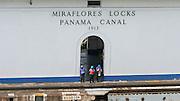 Canal de Panamá,Miraflores..El Canal de Panamá mide 80 Kilómetros de largo.Su cauce discurre entre el Atlántico y el Pacifico. El Canal esta conformado por varios elementos: el lago Gatún;el Corte Culebra; y las esclusas(Miraflores y Pedro Miguel en el Pacifico; y Gatún en el Atlántico)..El canal utiliza un sistema de esclusas:compartimientos con puertas de entrada y salida. Las esclusas funcionan como elevadores de agua:suben la nave desde el nivel del mar( ya sea pacífico o del Atlántico) hacia el nivel del Lago Gatún (26 metros sobre el nivel del mar) así los buques navegan a tráves del cauce del Canal en la Cordillera Central de Panamá.