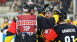29.08.2015, Albert Schultz Eishalle, Wien, AUT, CHL, UPC Vienna Capitals vs Krefeld Pinguine, im Bild Jonathan Ferlan (Vienna Capitals) , Kurtis McLean (Vienna Capitals) und Simon Gamache (Vienna Capitals) // during the Champions Hockey League match between UPC Vienna Capitals and Krefeld Pinguine at the Albert Schultz Ice Arena, Vienna, Austria on 2015/08/29. EXPA Pictures © 2015, PhotoCredit: EXPA/ Alexander Forst