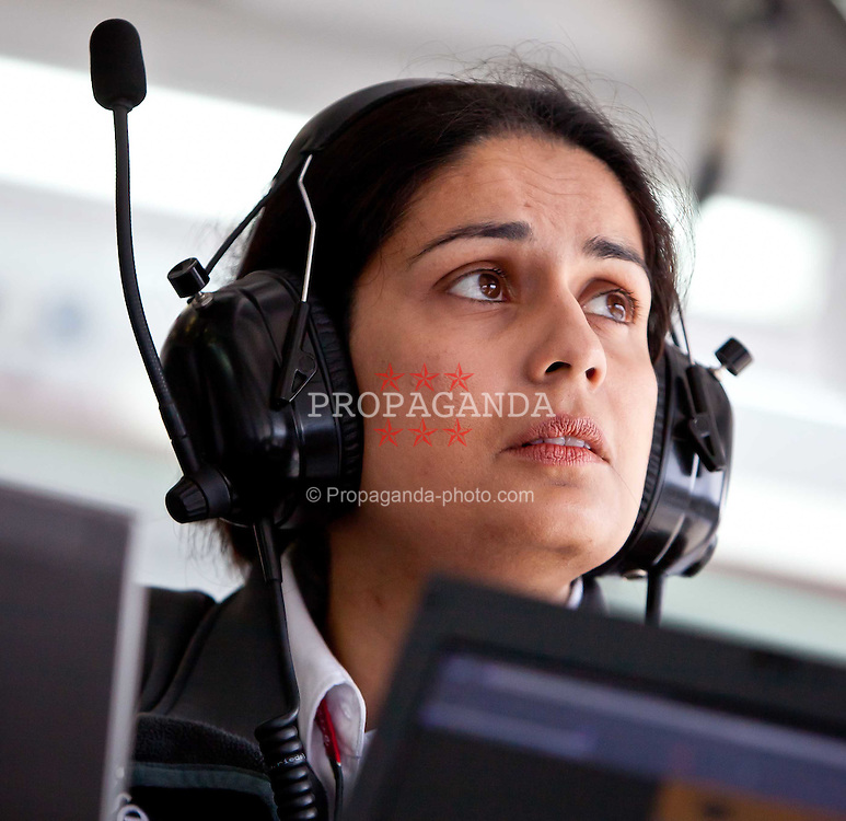 29.07.2011, Hungaroring, Budapest, HUN, F1, Grosser Preis von Ungarn, Hungaroring, im Bild Sauber-Geschäftsführerin Monisha Kaltenborn in der Box // during the Formula One Championships 2011 Hungarian Grand Prix held at the Hungaroring, near Budapest, Hungary, 2011-07-29, EXPA Pictures © 2011, PhotoCredit: EXPA/ J. Feichter