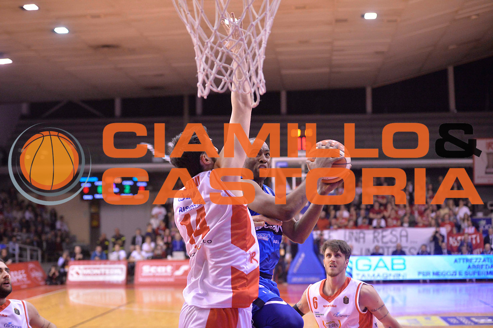 Sport basket serie a reggio emilia - germani brescia<br /> Moore Lee<br /> Legabasket serieA 2016/2017<br /> Reggio Emiliai 27/03/2017<br /> Foto Ciamillo-Castoria