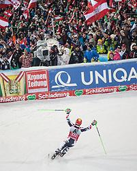 28.01.2014, Planai, Schladming, AUT, FIS Weltcup Ski Alpin, Nightrace, Slalom, Herren, 2. Durchgang, im Bild reacts in the finish area reacts in the finish area 2nd run of mens slalom of the Schladming FIS Ski Alpine World Cup at the Planai course in Schladming, Austria on 2014/01/28. EXPA Pictures © 2014, PhotoCredit: EXPA/ Johann Grode
