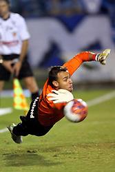 Renan defende penalty no GRENAL 387, no qual o S. C. Internacional sagrou-se Campeão Gaúcho 2011, no Estadio Olimpico em Porto Alegre. FOTO: Jefferson Bernardes/Preview.com