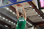 DESCRIZIONE : Beko Legabasket Serie A 2015- 2016 Dinamo Banco di Sardegna Sassari - Sidigas Scandone Avellino <br /> GIOCATORE : Riccardo Cervi<br /> CATEGORIA : Schiacciata Sequenza<br /> SQUADRA : Sidigas Scandone Avellino<br /> EVENTO : Beko Legabasket Serie A 2015-2016 <br /> GARA : Dinamo Banco di Sardegna Sassari - Sidigas Scandone Avellino <br /> DATA : 28/02/2016 <br /> SPORT : Pallacanestro <br /> AUTORE : Agenzia Ciamillo-Castoria/C.Atzori