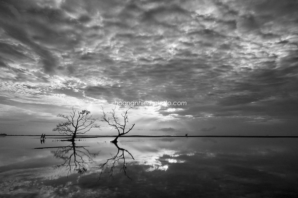 Vietnam Images-Seascape-Reflection-Nature-Phu Quoc island. hoàng thế nhiệm hoàng thế nhiệm