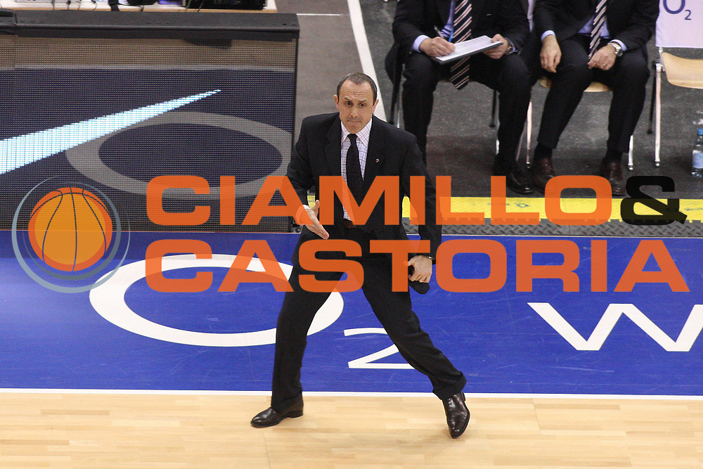 DESCRIZIONE : Berlino Eurolega 2008-09 Final Four Finale Panathinaikos Atene CSKA Mosca <br /> GIOCATORE : Ettore Messina<br /> SQUADRA : CSKA Mosca <br /> EVENTO : Eurolega 2008-2009 <br /> GARA : Panathinaikos Atene CSKA Mosca <br /> DATA : 03/05/2009 <br /> CATEGORIA : Coach Delusione<br /> SPORT : Pallacanestro <br /> AUTORE : Agenzia Ciamillo-Castoria/G.Ciamillo