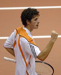 17-12-2006 TENNIS: SKY RADIO TENNIS MASTER: ROTTERDAM<br /> Robin Haase wint het Masters toernooi<br /> ©2006-WWW.FOTOHOOGENDOORN.NL
