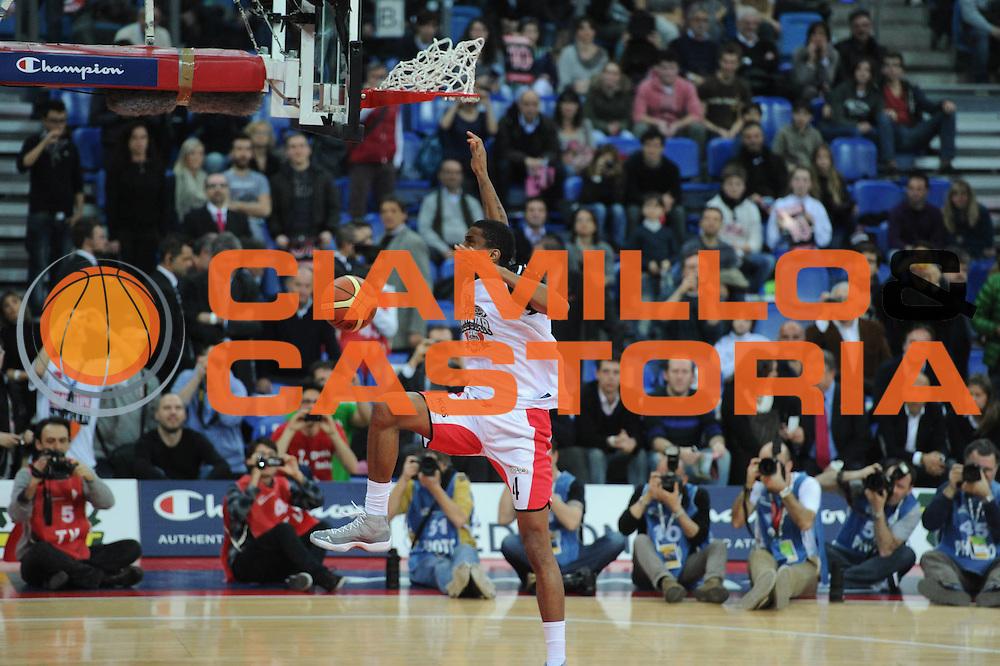 DESCRIZIONE : Pesaro Edison All Star Game 2012<br /> GIOCATORE : James White<br /> CATEGORIA : schiacciata gara<br /> SQUADRA : All Star Team<br /> EVENTO : All Star Game 2012<br /> GARA : Italia All Star Team<br /> DATA : 11/03/2012 <br /> SPORT : Pallacanestro<br /> AUTORE : Agenzia Ciamillo-Castoria/GiulioCiamillo<br /> Galleria : FIP Nazionali 2012<br /> Fotonotizia : Pesaro Edison All Star Game 2012<br /> Predefinita :