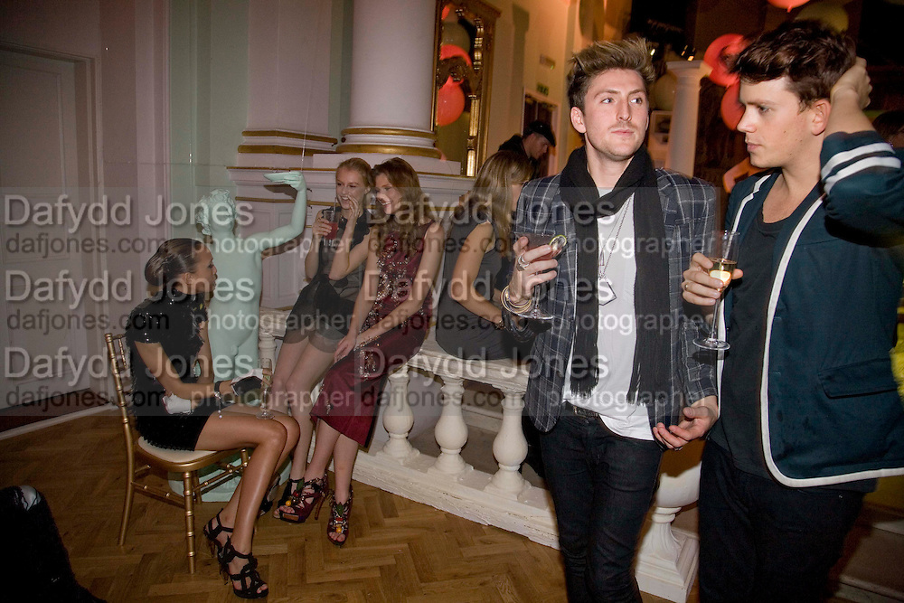 LUCY J. VERA G. QUENTIN JONES. HENRY HOLLAND; TOM GIDDINS. Vogue Fantastic  Fashion Fantasy Party in association with  Van Cleef and Arpels and to celebrate Vogue's secret address book. 1 Marylebone Rd. London. 3 November 2008 *** Local Caption *** -DO NOT ARCHIVE -Copyright Photograph by Dafydd Jones. 248 Clapham Rd. London SW9 0PZ. Tel 0207 820 0771. www.dafjones.com
