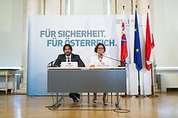 21.07.2015, BMI, Wien, AUT, Bundesregierung, Unterzeichnung des Asyl-Abkommens zwischen Österreich und der Slowakei, im Bild v.l.n.r. Innenminister Slowakei Robert Kalinak und Bundesministerin für Inneres Johanna Mikl-Leitner (ÖVP) // f.l.t.r. Minister of the Interior of Slovakia Robert Kalinak and Minister of the Interior Johanna Mikl-Leitner (OeVP) during consign of asylum accord between Slovakia and Austria at Ministry of Internal Affairs in Vienna, Austria on 2015/07/21, EXPA Pictures © 2015, PhotoCredit: EXPA/ Michael Gruber