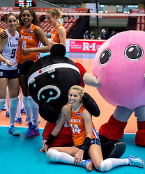 18-05-2016 JAP: OKT Nederland - Dominicaanse Republiek, Tokio<br /> Nederland is weer een stap dichterbij kwalificatie voor de Olympische Spelen. Dit dankzij een 3-0 overwinning op de Dominicaanse Republiek / Laura Dijkema #14, Myrthe Schoot #9,Celeste Plak #4
