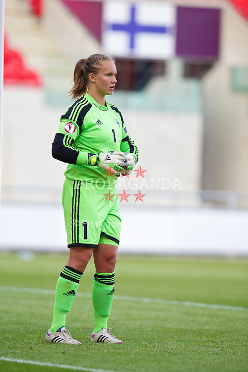 LLANELLI, WALES - Thursday, August 22, 2013: Finland's goalkeeper Vera Varis in action against Norway during the Group B match of the UEFA Women's Under-19 Championship Wales 2013 tournament at Parc y Scarlets. (Pic by David Rawcliffe/Propaganda)