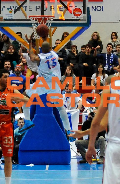 DESCRIZIONE : Brescia Lega2  2012-13 Centrale del Latte Brescia Fileni BPA Jesi <br /> GIOCATORE : Justin Ray Giddens<br /> SQUADRA : Centrale del Latte Brescia <br /> EVENTO : Campionato Lega2  2012-2013<br /> GARA :  Centrale del Latte Brescia Fileni BPA Jesi<br /> DATA : 20/01/2013<br /> CATEGORIA : Tiro Controcampo<br /> SPORT : Pallacanestro<br /> AUTORE : Agenzia Ciamillo-Castoria/A.Giberti<br /> Galleria : Lega2 Basket 2012-2013<br /> Fotonotizia : Brescia Lega2  2012-13 Centrale del Latte Brescia Fileni BPA Jesi <br /> Predefinita :