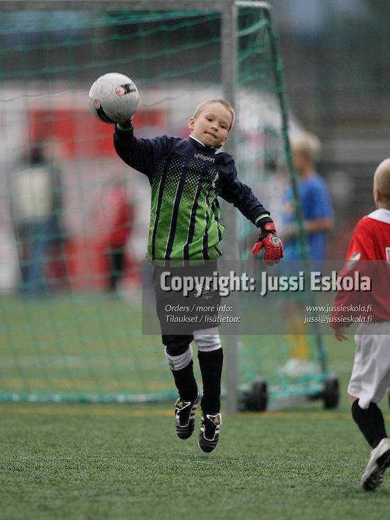 Pojat H8, HIFK-POHU. Helsinki Cup, ke 11.7.20007. Photo: Jussi Eskola