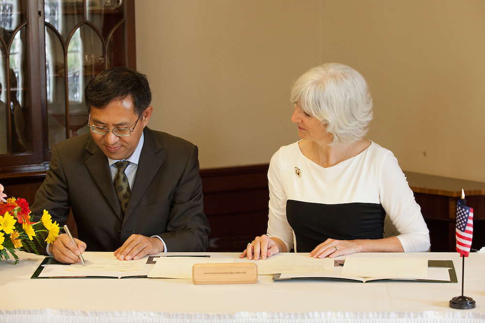Dr. Lorna Jean Edmonds at a signing of a Memorandum of Understanding between Beijing International Studies University and Ohio University at Baker Center on October 15, 2013. Photo by Stephen Reiss.