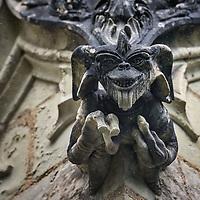 Bretagne: une chapelle Gremlins du XVe siècle