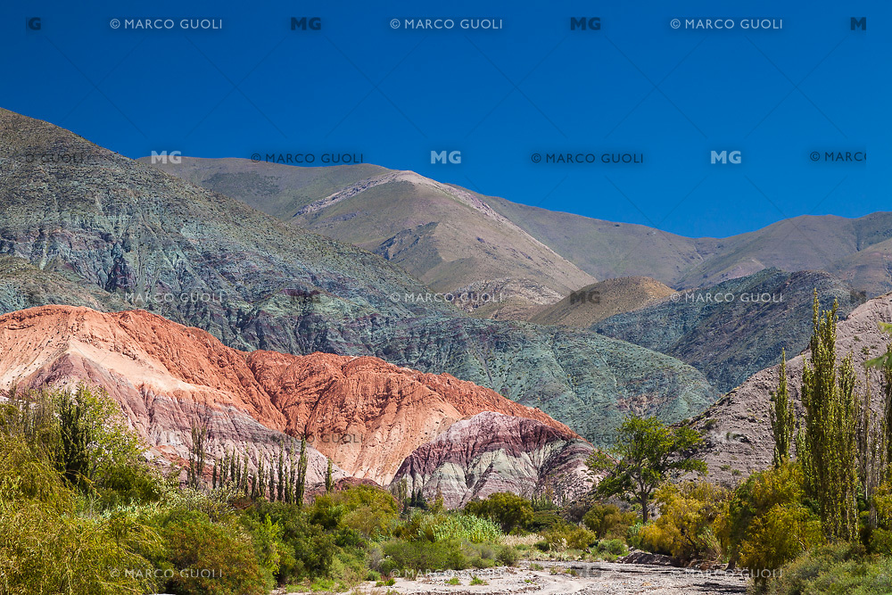 CERRO DE LOS SIETE COLORES, PURMAMARCA, QUEBRADA DE HUMAHUACA, PROVINCIA DE JUJUY, ARGENTINA (PHOTO © MARCO GUOLI - ALL RIGHTS RESERVED)