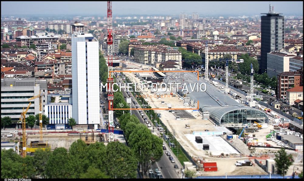 Torino veduta aerea cantiere nuova stazione di Porta Susa..e del cantiere del grattacielo di IntesaSanPaolo