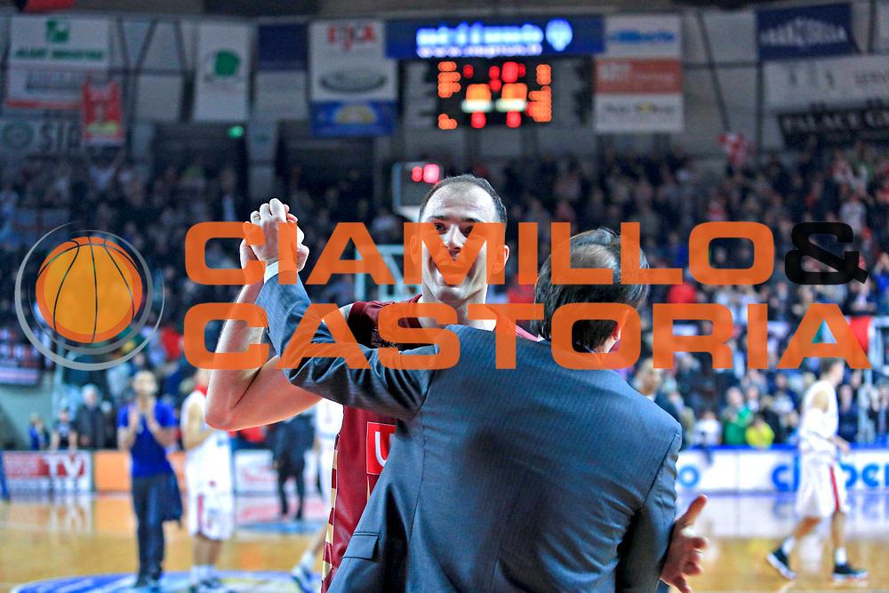 DESCRIZIONE : Varese Lega A 2012-13 Cimberio Varese Umana Venezia<br /> GIOCATORE : Szewczyk Szymon  Mazzon Andrea <br /> CATEGORIA : esultanza sequenza<br /> SQUADRA : Umana Venezia<br /> EVENTO : Campionato Lega A 2012-2013 <br /> GARA : Cimberio Varese Umana Venezia<br /> DATA : 13/01/2013<br /> SPORT : Pallacanestro <br /> AUTORE : Agenzia Ciamillo-Castoria/I.Mancini<br /> Galleria : Lega Basket A 2012-2013  <br /> Fotonotizia : Varese Lega A 2012-13 Cimberio Varese Umana Venezia<br /> Predefinita :