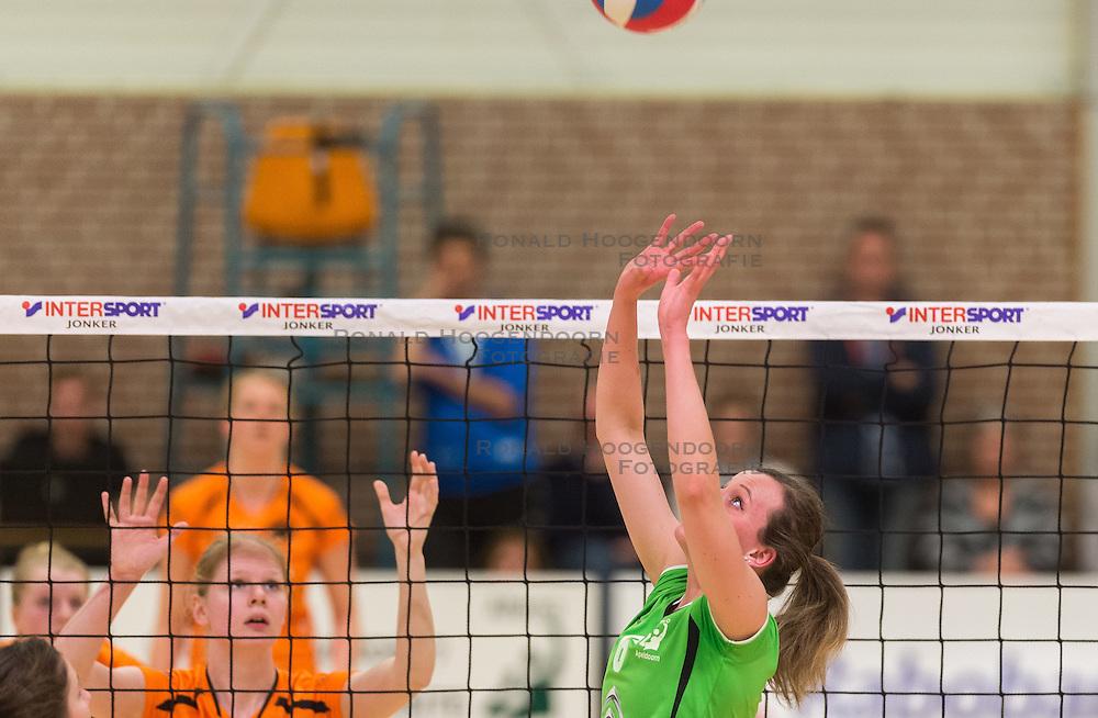 09-04-2016 NED: Coolen Alterno - Springendal Set Up 65, Apeldoorn<br /> Set Up wint met 3-2 en dat blijkt genoeg om zich te plaatsen voor de finale. / Joanne van der Noord #6 of Alterno