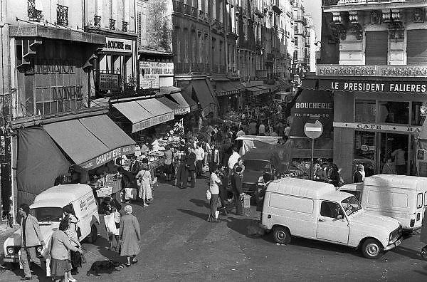 Frankrijk, Parijs, 15-10-1978Rue Montorgueil in het 1e arrondisement. Markt in de buurt van de vroegere hallen, Les Halles, waar het voedsel voor parijs werd verhandeld.Foto: Flip Franssen/Hollandse Hoogte