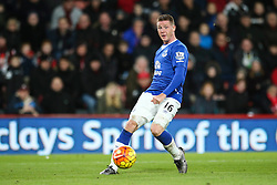 James McCarthy of Everton cross puts Bournemouth under pressure early on the second half- Mandatory by-line: Jason Brown/JMP - Mobile 07966 386802 28/11/2015 - SPORT - FOOTBALL - Bournemouth, Vitality Stadium - AFC Bournemouth v Everton - Barclays Premier League