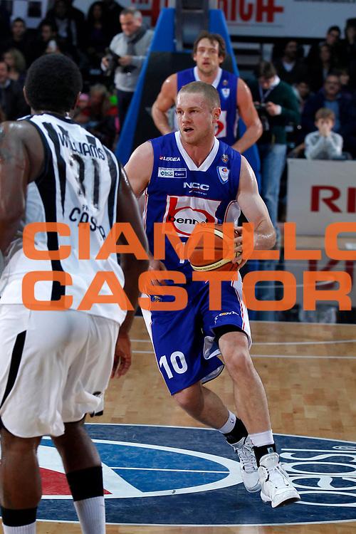 DESCRIZIONE : Caserta Lega A 2010-11 Pepsi Caserta Bennet Cantu<br /> GIOCATORE : Maarten Leunen<br /> SQUADRA : Bennet Cantu<br /> EVENTO : Campionato Lega A 2010-2011<br /> GARA : Pepsi Caserta Bennet Cantu<br /> DATA : 27/11/2010<br /> CATEGORIA : palleggio<br /> SPORT : Pallacanestro<br /> AUTORE : Agenzia Ciamillo-Castoria/ElioCastoria<br /> Galleria : Lega Basket A 2010-2011<br /> Fotonotizia : Caserta Lega A 2010-11 Pepsi Caserta Bennet Cantu<br /> Predefinita :
