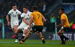 Owen Farrell of England takes on Michael Hooper of Australia - Mandatory by-line: Robbie Stephenson/JMP - 18/11/2017 - RUGBY - Twickenham Stadium - London, England - England v Australia - Old Mutual Wealth Series
