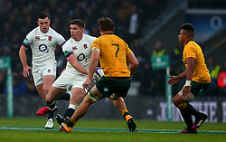 Owen Farrell of England takes on Michael Hooper of Australia - Mandatory by-line: Robbie Stephenson/JMP - 18/11/2017 - RUGBY - Twickenham Stadium - London, England - England v Australia - Old Mutual Wealth Series